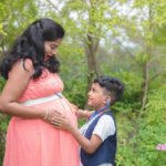 maternity sibling poses